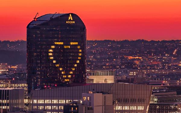 Grupa Accor wspiera pracowników i właścicieli hoteli