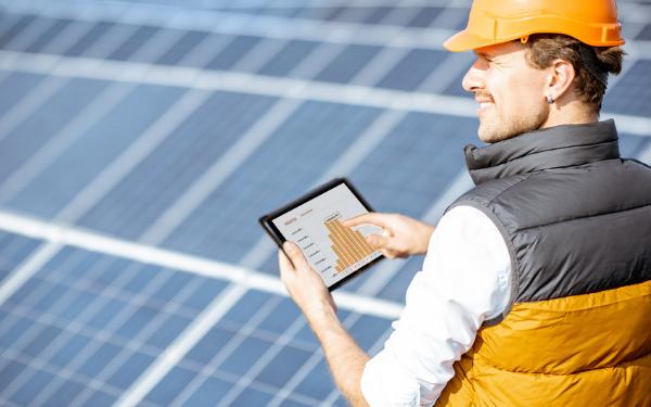Magazyn energii: jak przechowywać energię z instalacji fotowoltaicznej